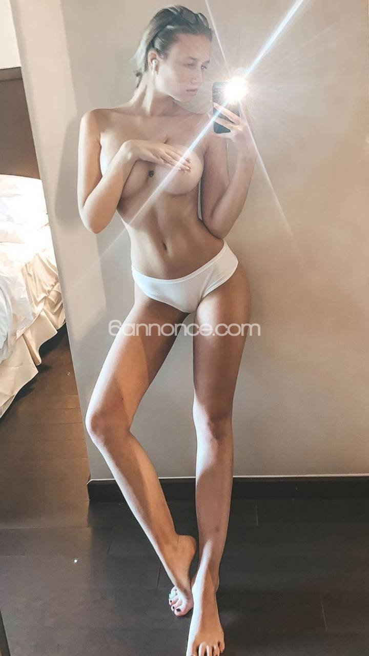 ADELINE_Luxury blonde