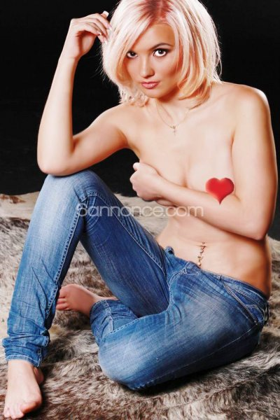 Victoria_sweety_blondy